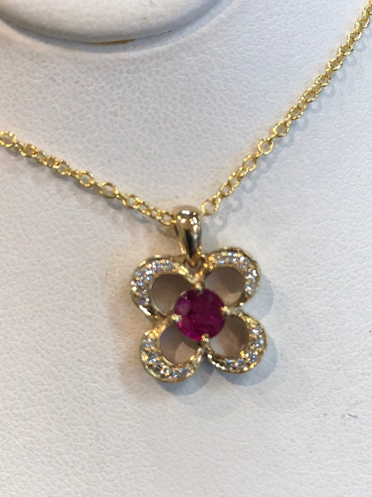 Clover Pendant with Ruby