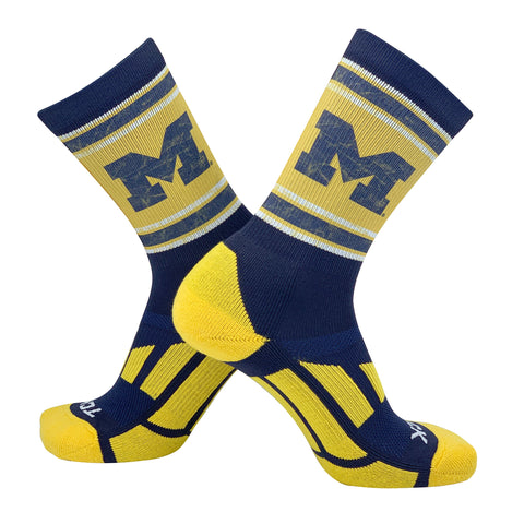 TCK Vintage Michigan Wolverines Logo Crew Socks (8-13)