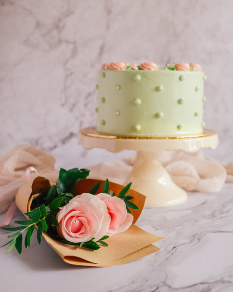 Pistachio Rose Cake Gift (Small)