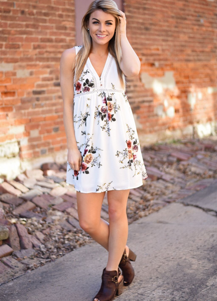 Street Style V neck Lace Little Floral Print Sleeve less Dress