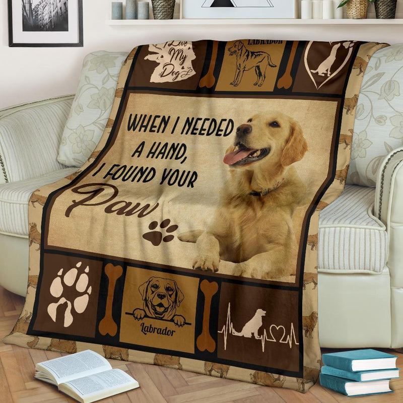 When I Needed A Hand I Found Your Paw Labrador Fleece Blanket interestprint