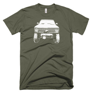 1984 Chevy K-10 4x4 - Modern Rodder - Men's T-Shirt