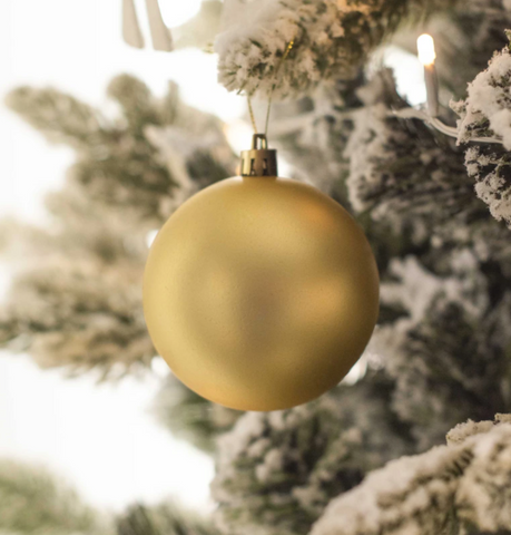 https://www.themaevastore.com/collections/x-mas-ornaments/products/golden-matte-bauble-set-of-2