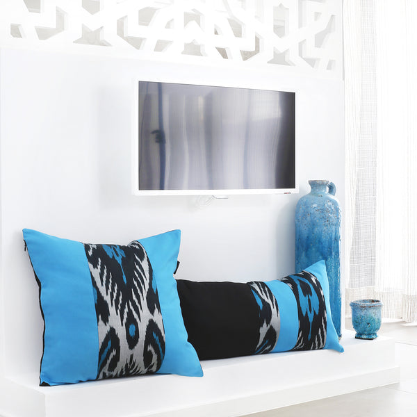 Set of cushion covers with silk ikat in black and turquoise