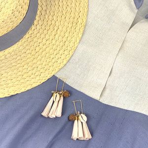 Summer cluster wire and tassels earrings with shells and glass beads