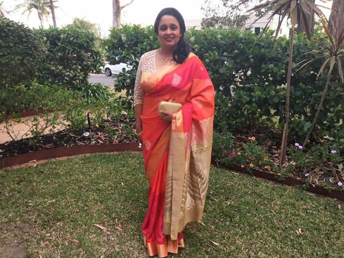 Dilmini Fernando, looks stunning in our handwoven silk