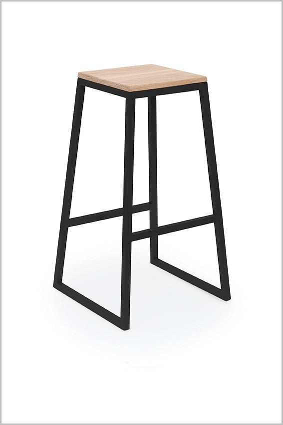 Metal bar stool, black, square oak seat pan