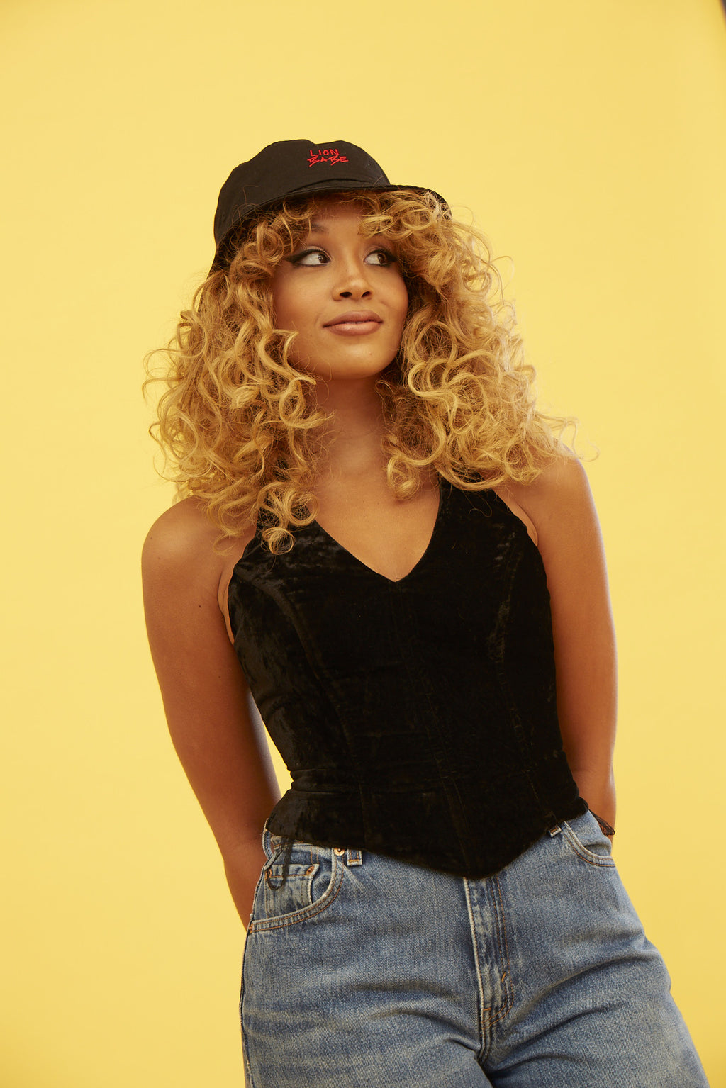 LION BABE BUCKET HAT