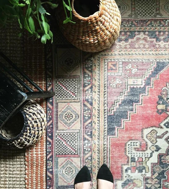 Beauty, Intricacy, and Durability: Hand Knotted Rugs 101