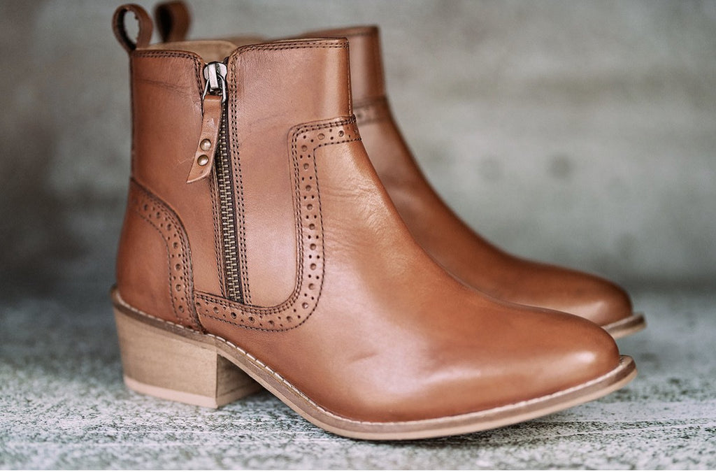 Ladies Tan Zip Up boot (shipping 9th march) - Amen shoes