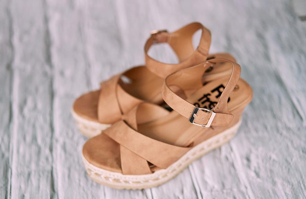 Refresh Women's Wedge Sandals - Tan - Amen shoes