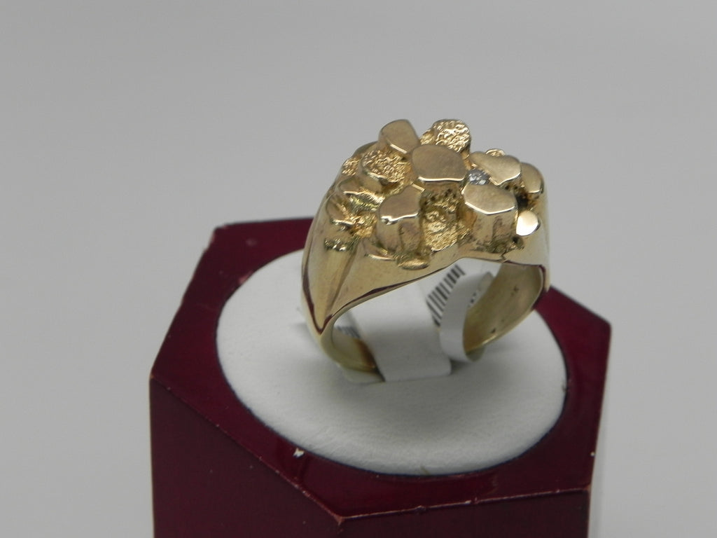 Small Nutmeg Man's Ring 14K Yellow Gold