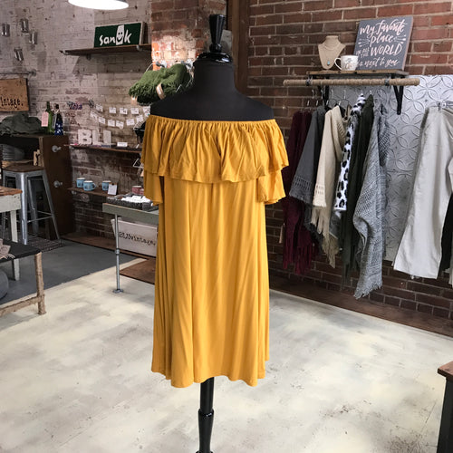 Kim Off Shoulder Dress in Gold