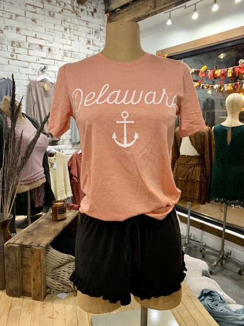 Delaware Cursive with Anchor Tee in Coral