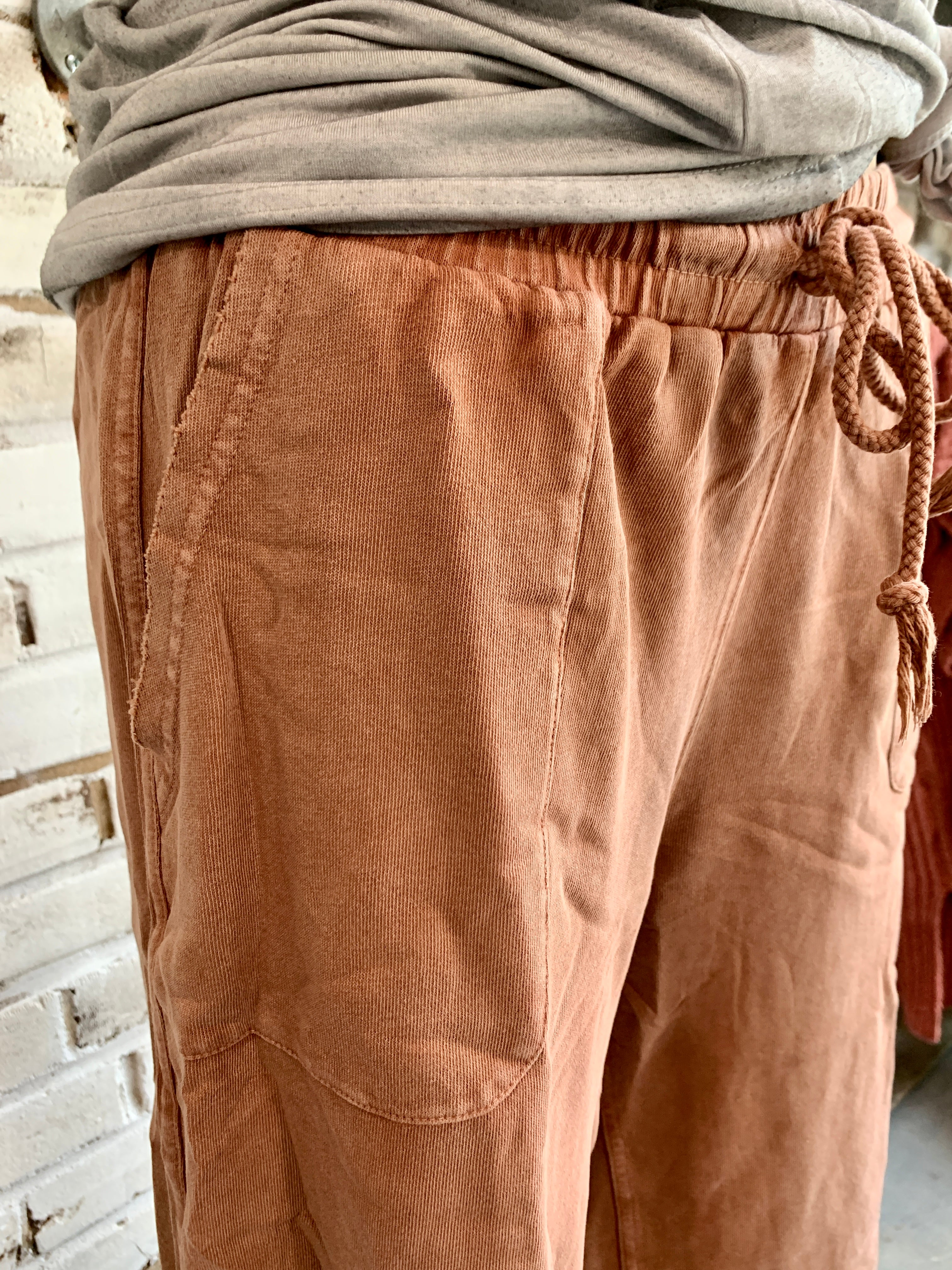 Johnny Wide Leg Capri in Vintage Maroon