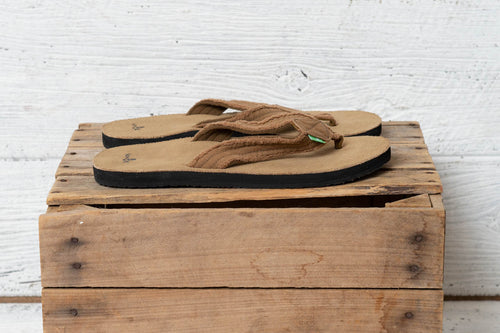 Fraid Not Khaki Men's Sanuk Flip Flops