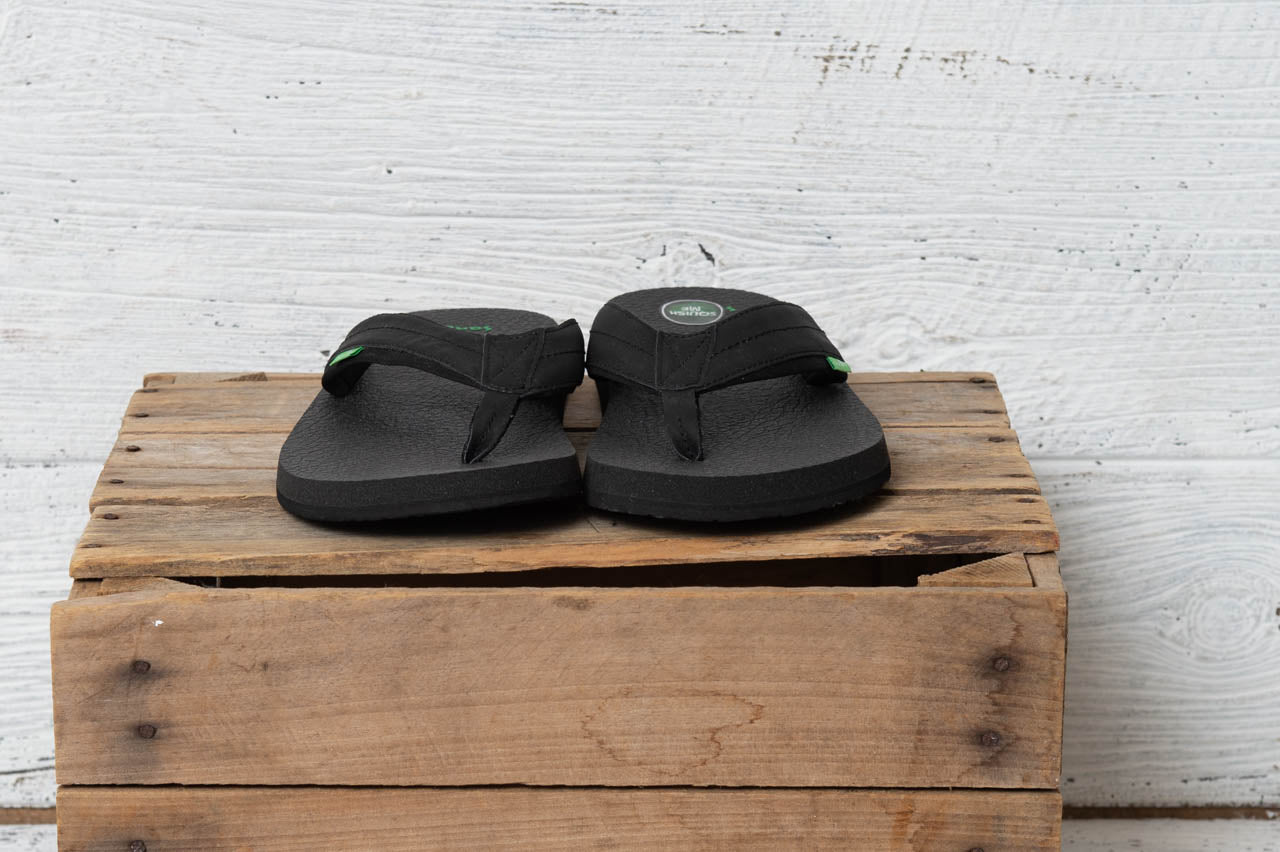 Beer Cozy 2 Sanuk Men's Sandals in Black