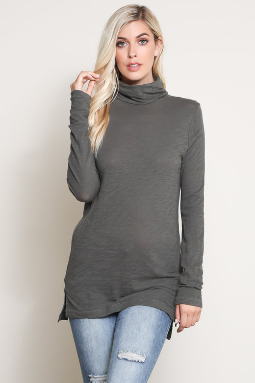 Perri Turtleneck in Olive