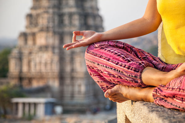 Top 6 Benefits of Meditation During Travel