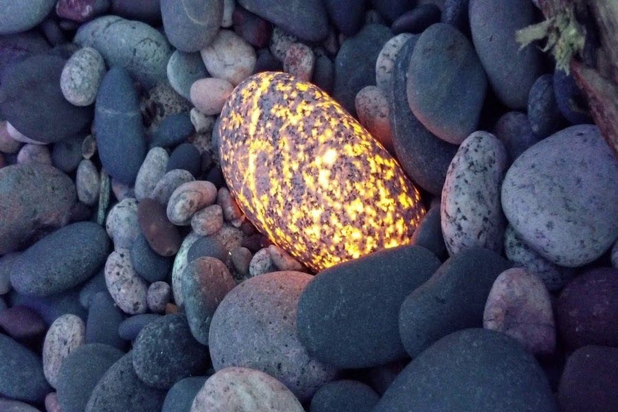 Fascinating Discovery: A Man Has Found Scores of Stones which Luminesce After a Light is Shined on Them