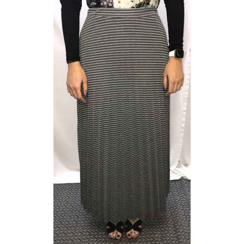 Shimmer Stripe Pleated Maxi Skirt: Silver - The Mimi Boutique