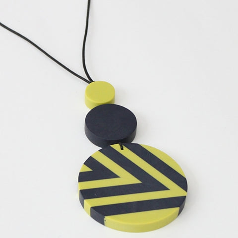 Sylca Necklace: Lime/Black Circle - The Mimi Boutique