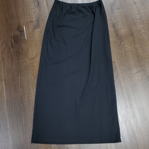 Ribbed Maxi Skirt: Black