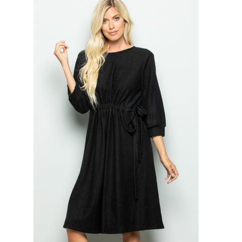 Heni Black Dress
