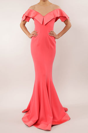 Vestido off the shoulder sirena coral