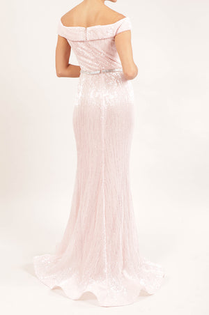 Vestido off the shoulder sirena rosa