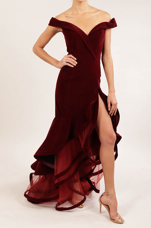 Vestido off the shoulder velvet vino