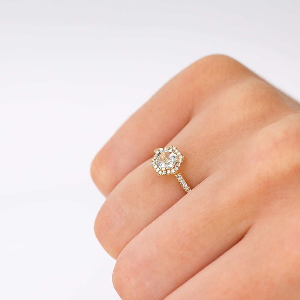 GREEN AMETHYST POPPY RING