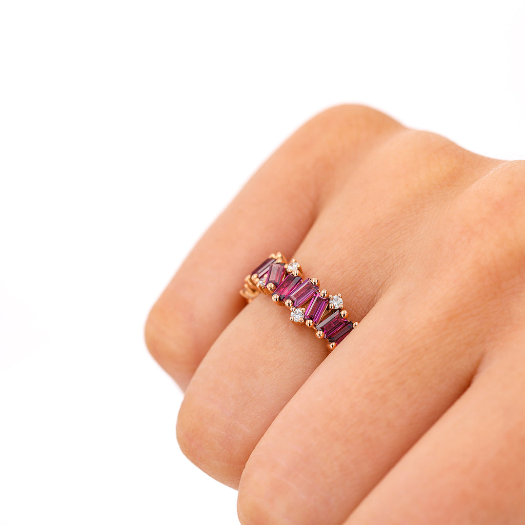 RHODOLITE AMALFI WAVE ETERNITY BAND WITH DIAMOND DETAIL
