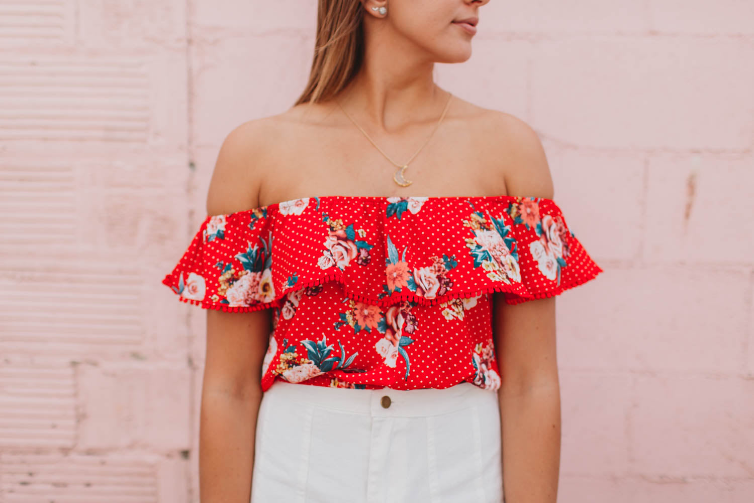 Top - Ruffled floral off shoulder crop top