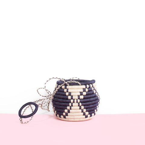 Hanging Flower Pot - Navy & White
