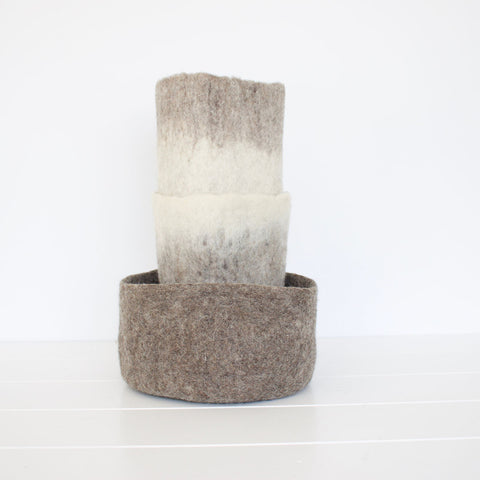 Muskhane-Bicolour-Felt-Vase-Cover-Set-Natural
