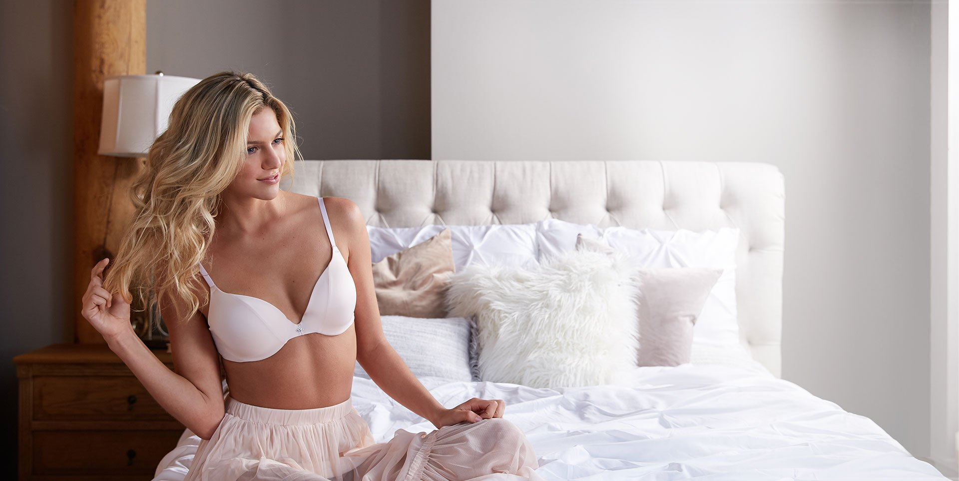 <small>The Sexiest</small><br />T-Shirt Bra<br /><small>ever.</small>