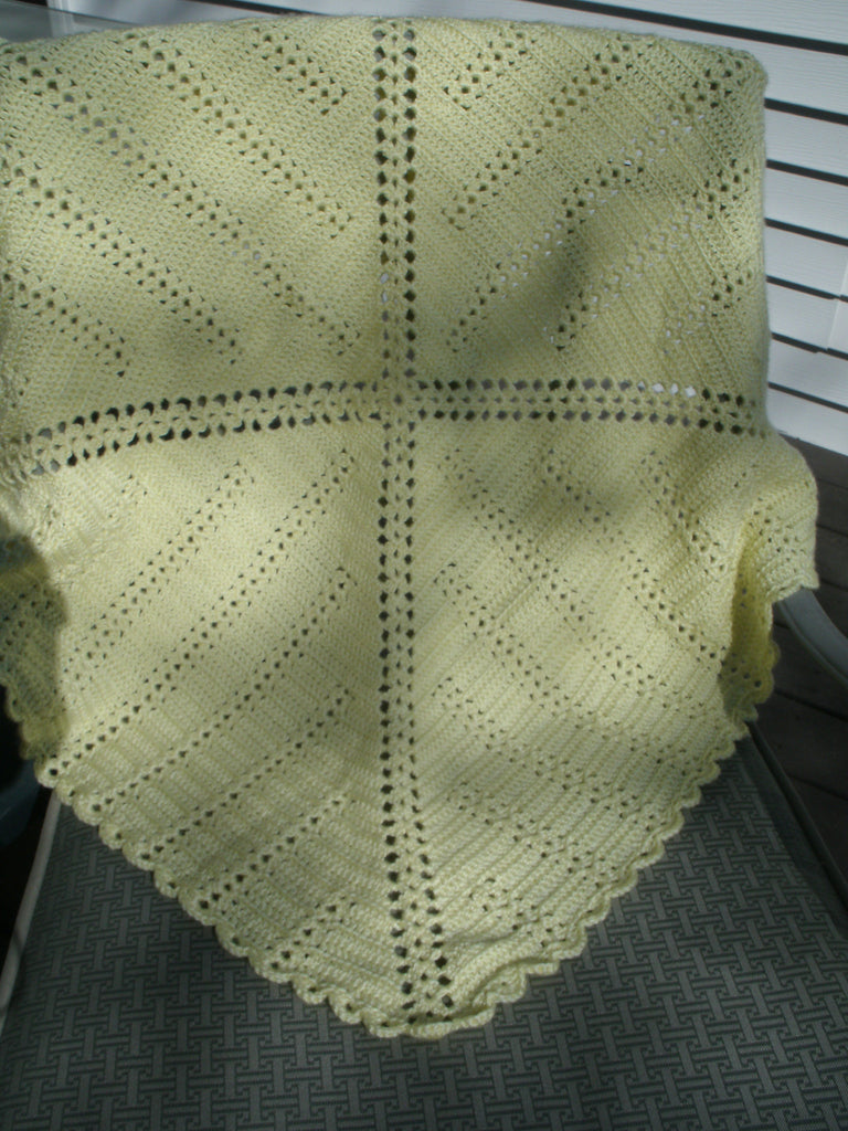 Baby Blanket - Scallop Edge