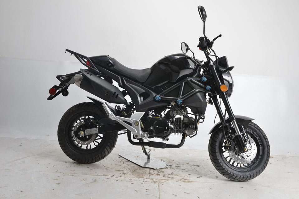 Boom SR3 BD125-8 side view monster 125cc motorcycle black
