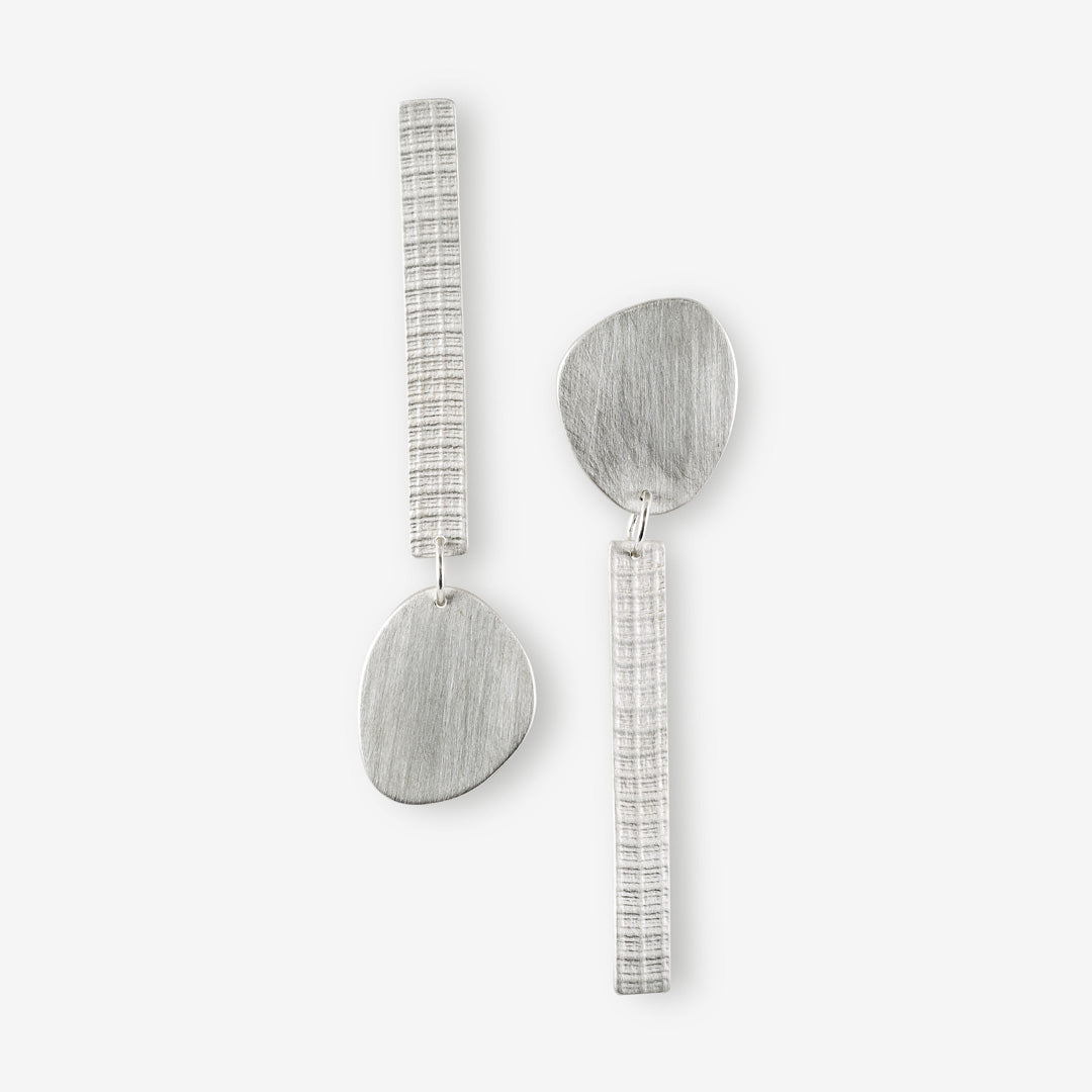 LONG SILVER EARRINGSFABRIC TEXTURE STUDS