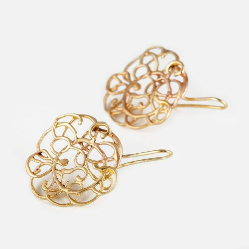 YELLOW GOLD EARRINGS WITH A CUTE SWIRLY LINE DESIGNS. HOOK STYLE