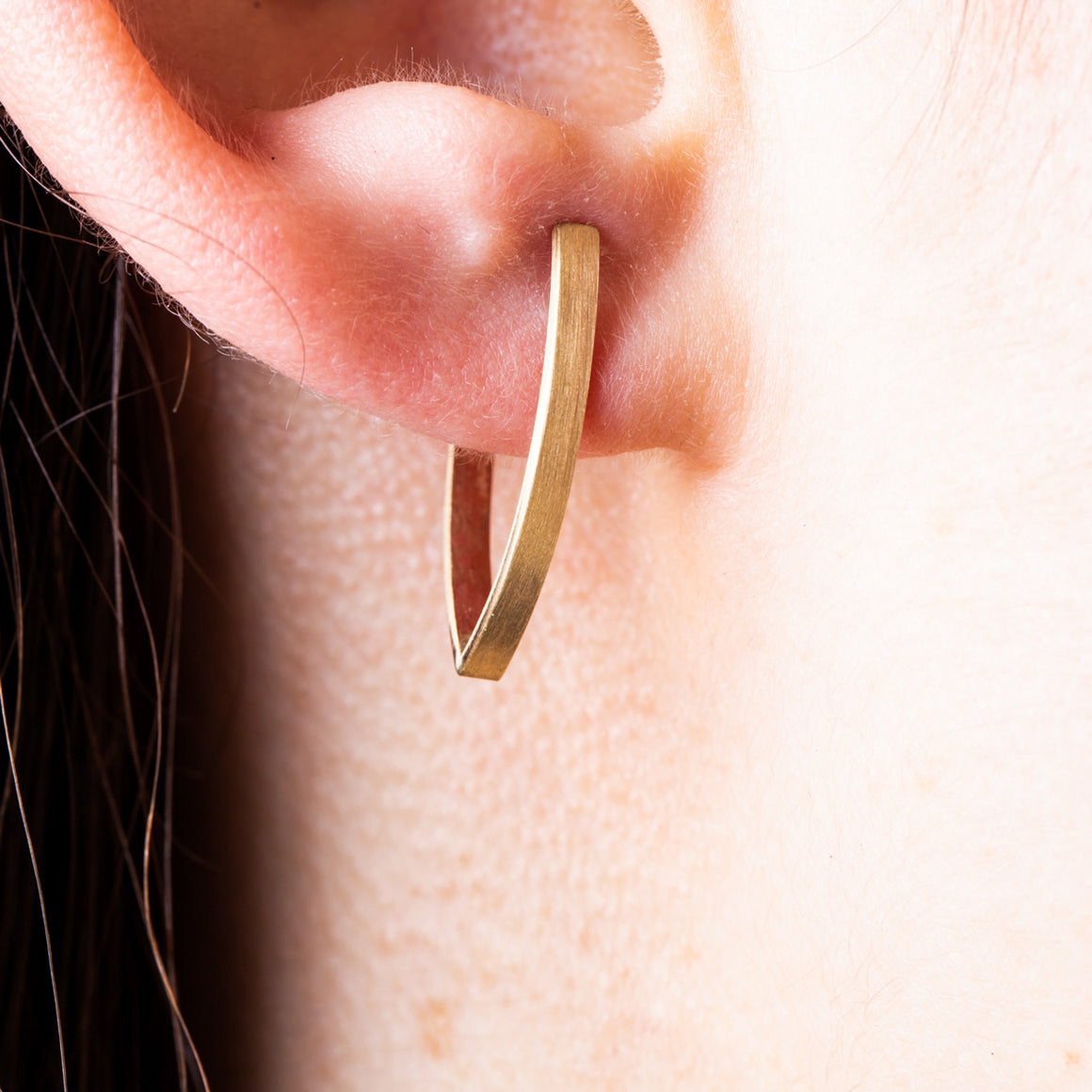 ARROW 9CT GOLD EARRINGS - Connie Dimas Jewellery