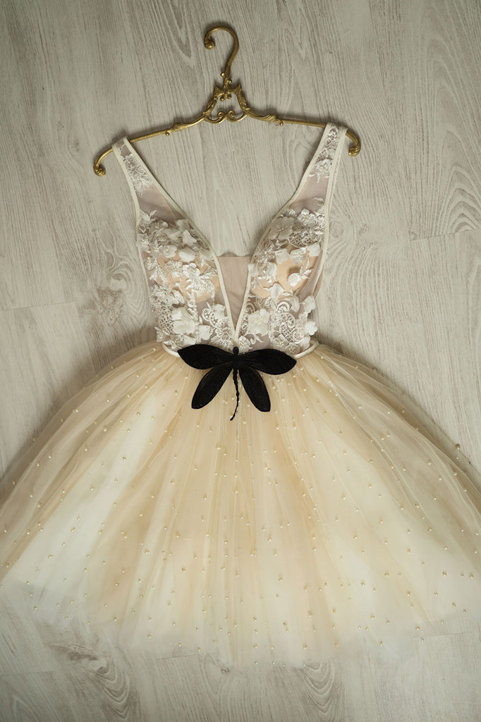 Champagne v neck tulle beads short prom dress tulle homecoming dress