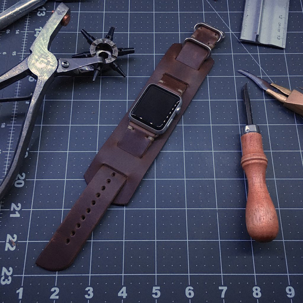 E3 Apple Watch Cuff in Brown Chromexcel Leather 38mm