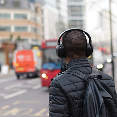 music-headphones-travel