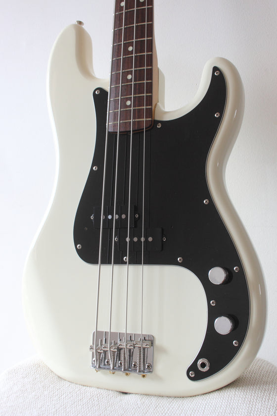Fender '62 Reissue Precision Bass PB62-55 Vintage White 1986-7