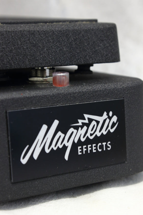 Magnetic Effects Fuzz Wah Pedal