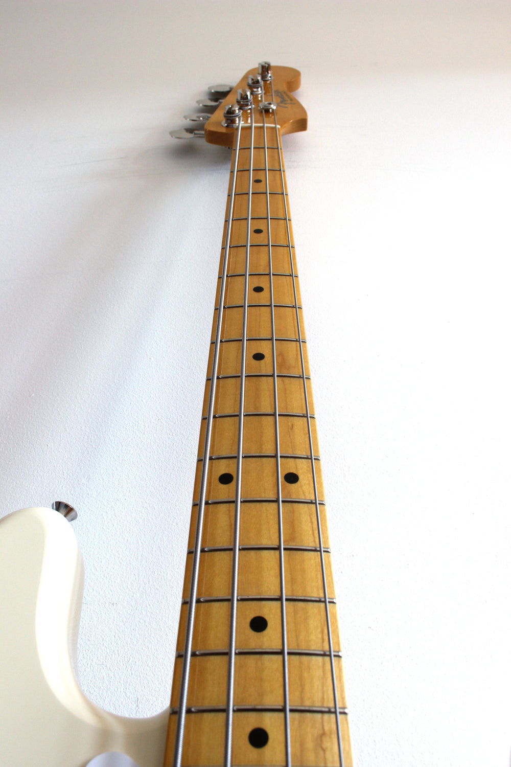 Used Fender Precision Bass '57 Reissue Vintage White