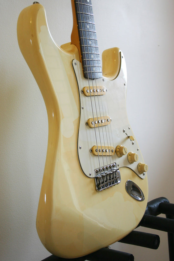 Used Fender Stratocaster '62 Reissue Olympic White Relic