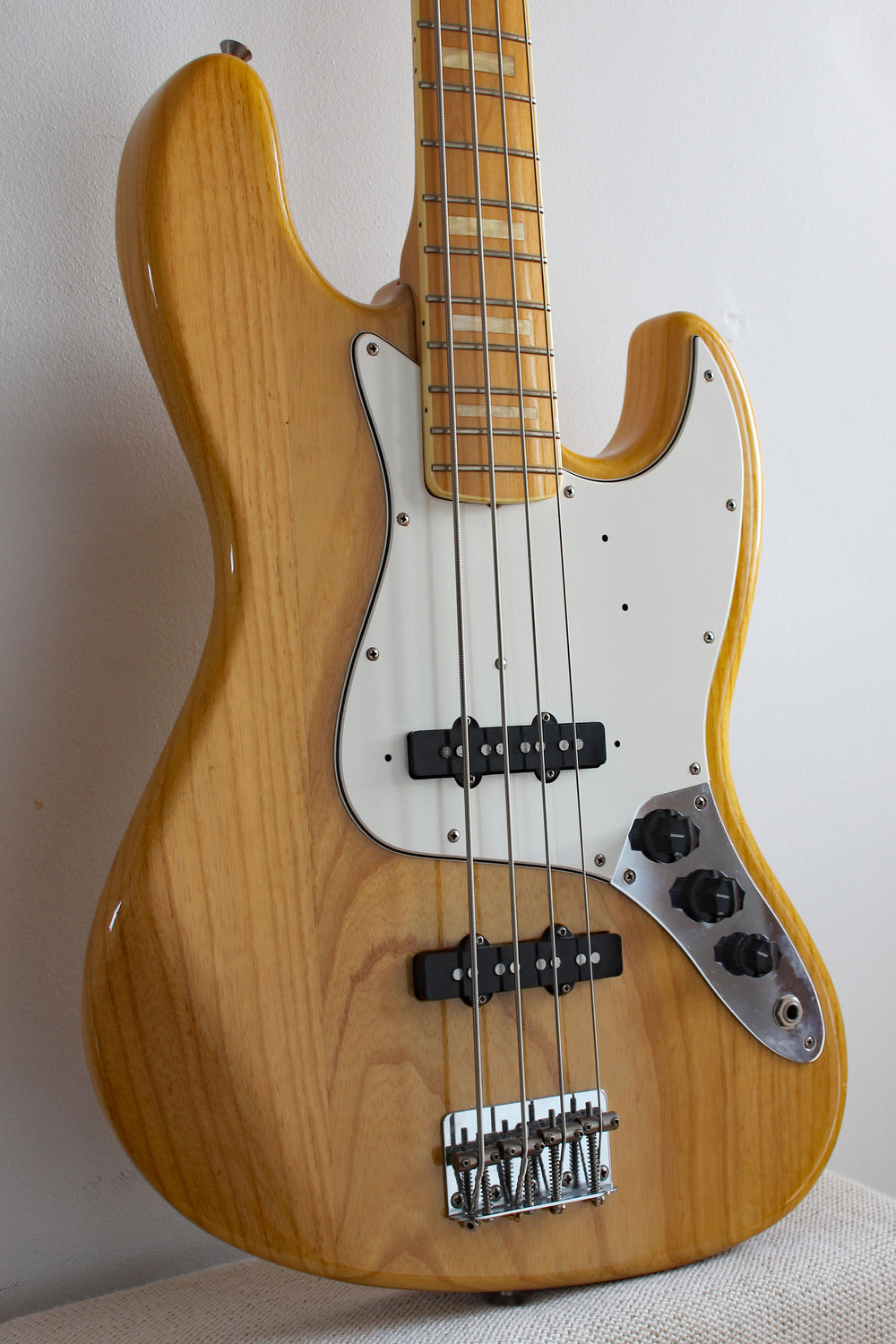 Fender Jazz Bass Used : used fender jazz bass 39 75 reissue natural topshelf instruments ~ Hamham.info Haus und Dekorationen